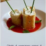 Cilindri di parmigiano ripieni di ricotta e menta con coulis di pomodoro