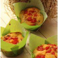 Muffin salati con pomodorini e olive