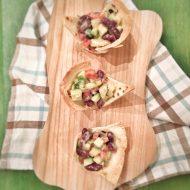 Cestini di piadina con insalata esotica